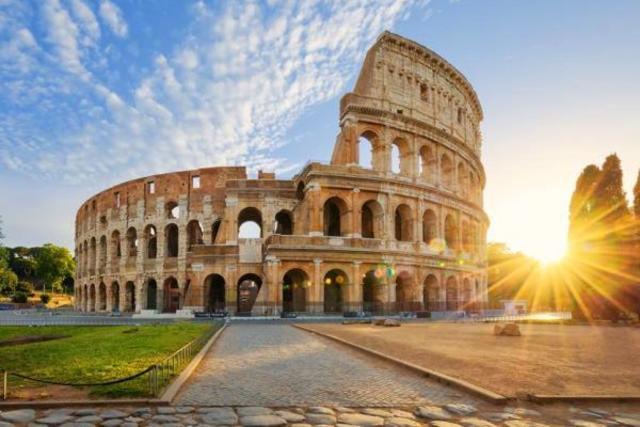 Antigua Roma - Construcción de Coliseo Romano
