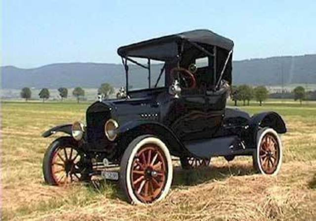 Primer automóvil con gasolina