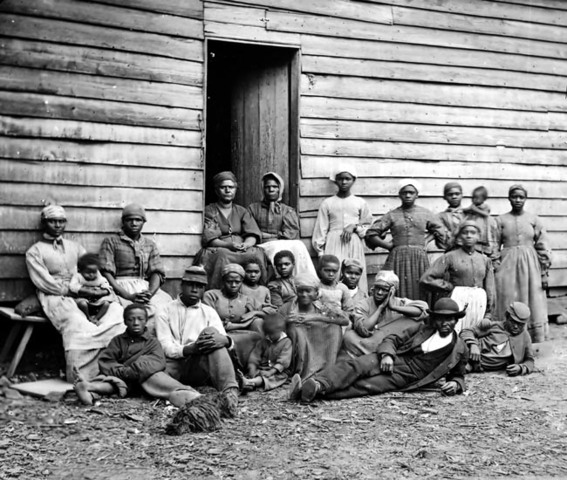 The first slaves arrive in Virginia.