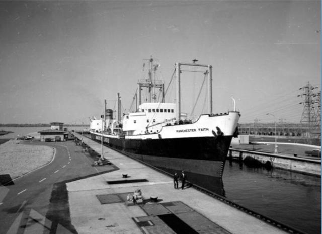 Ouverture de la voie maritime du St-Laurent