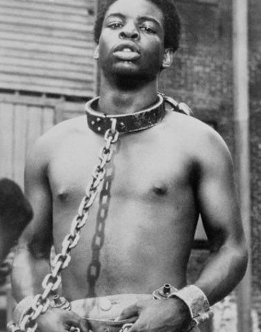 England enters the slave trade