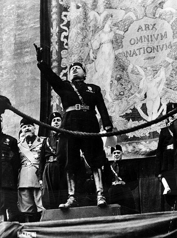 Mussolini Eastablishes Fascist Party