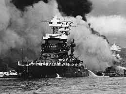 Japón ataca Pearl Harbor en EUA