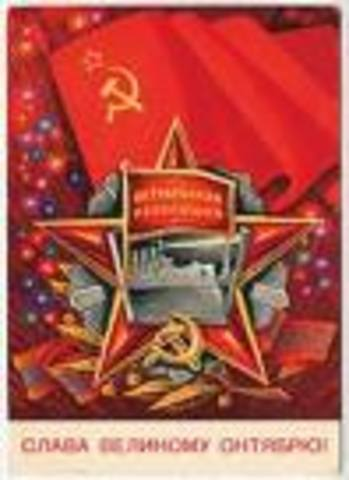 totalitarian government establish the ussr