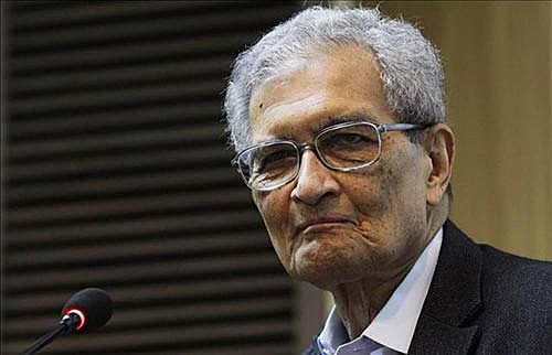 hindú Amartya Sen -Enfoque de las capacidades y el Desarrollo Humano (1990-2000