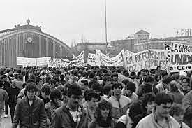 1994: MÉXICO - PROTESTAS JUVENILES