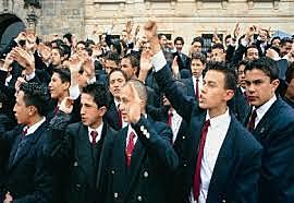 1991: Artículo 45 de la Constitución Política de Colombia