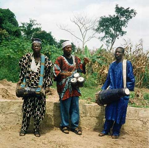 African drummers live in Edinburgh