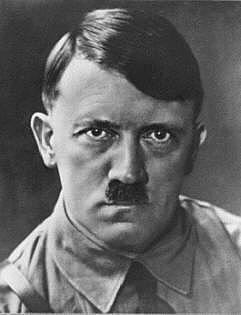 Hitler tar over