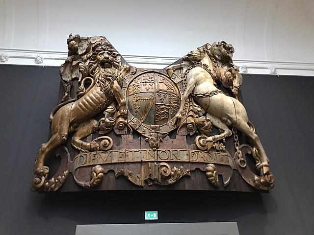 Spiegelversiering van de Royal Charles