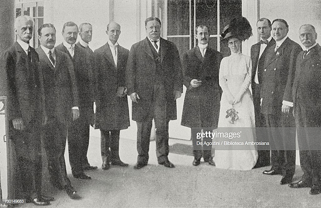 Pres.Taft welcomes the Wrights