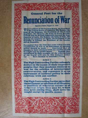 US and 61 other countries sign the Kellogg-Briand Pact