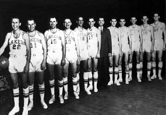Minneapolis Lakers becomes first team to win back-to-back championships