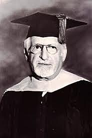 """JR Kantor publica """"Principles of psychology (Vol. I)"""""""