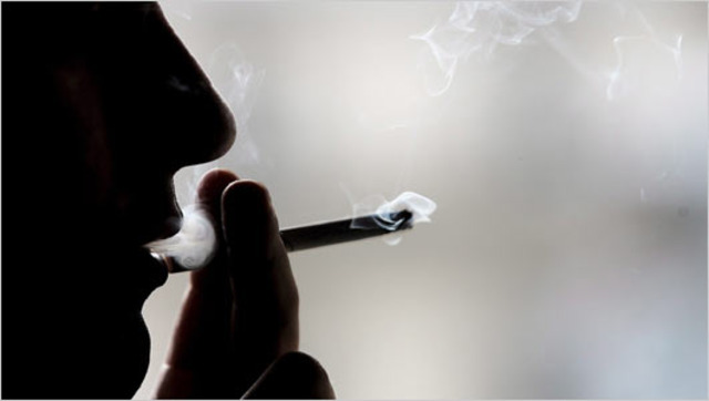 First barrels of cured tobacco reach England