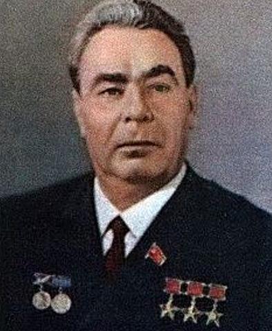 10 Novembre - Brejnev mor. És substituït per Iuri Andrópov