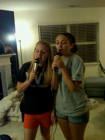 Hace que seis meses que canté con mi amiga mejor.