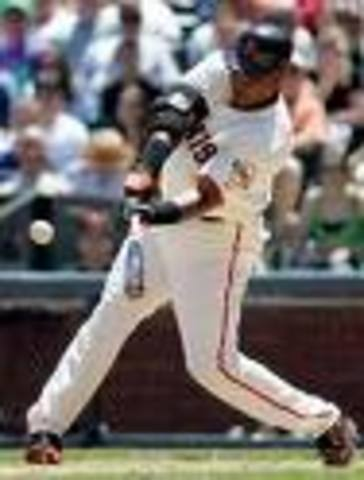 Barry Bonds Breaks Maris's Record hits 73 Home Runs