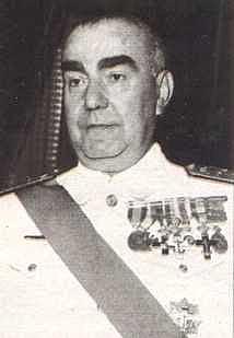 Crisis de gobierno: entra Carrero Blanco como subsecretario.