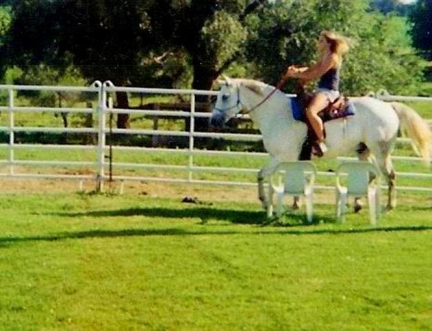 Hace cinco años que monte un caballo.