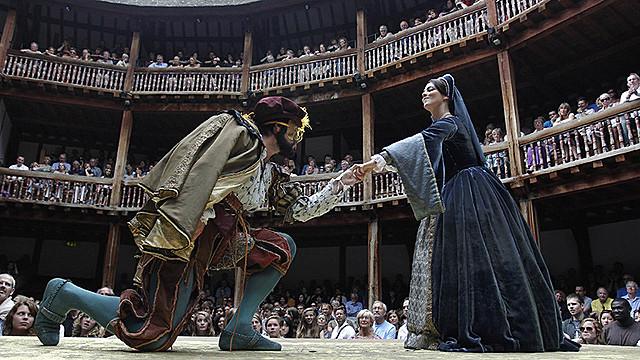 Начало постановок пьес Шекспира в лондонском театре «Глобус»