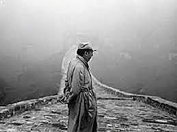 """""""Walking around""""-Pablo Neruda-Vanguardista"""