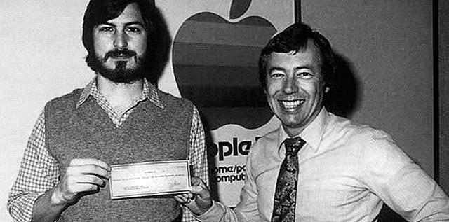 Jobs y Wozniak  recaudan 1.750 dólares