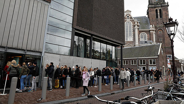 Anne Frank huis, opgericht door Otto Frank, ontworpen door Dirk van Delft