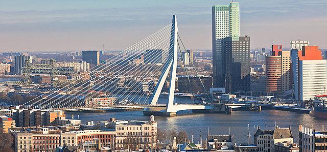 Erasmusbrug Rotterdam, ontworpen door Ben van Berkel