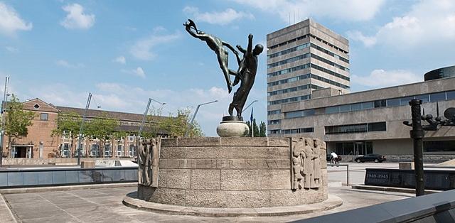Bevrijdingsmonument Eindhoven, ontworpen door Paul Gregoire