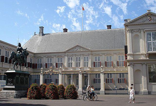 Paleis Noordeinde, ontworpen door Jacob van Campen en Pieter Post
