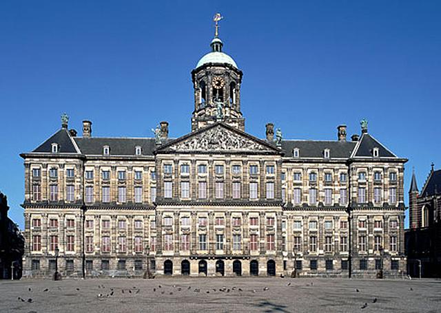 Koninklijk Paleis Amsterdam, ontworpen door Jacob van Campen en Daniël Stalpaert