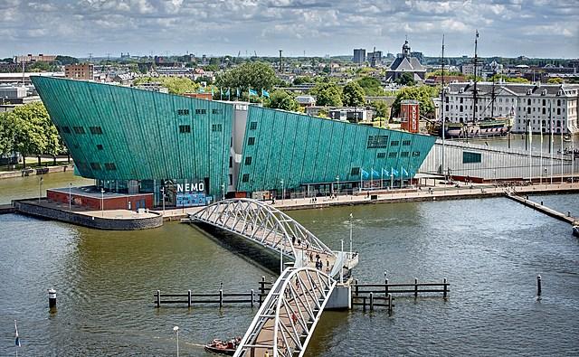 Nemo Science Museum in Amsterdam, opgericht door Herman Heijenbrock