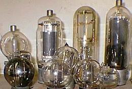 Primera generación de tubos al vacio