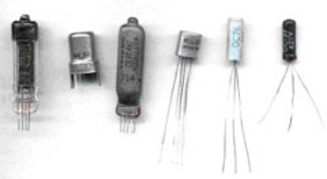 Segunda generación de sistemas y transistores por lote.