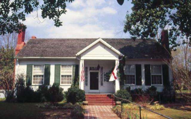 Helen was born in Tuscumbia, Alabama