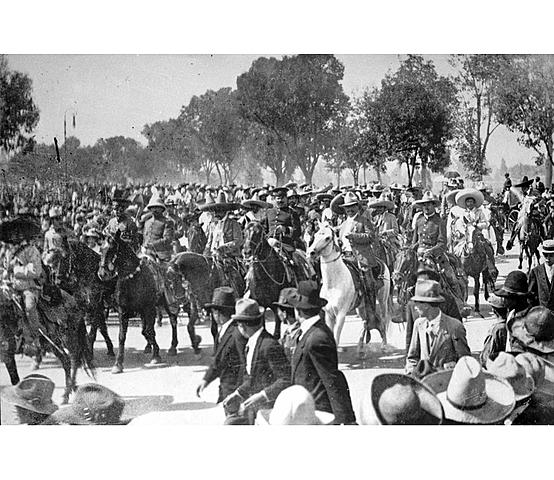 Las tropas de la división del norte entran a la Ciudad de México