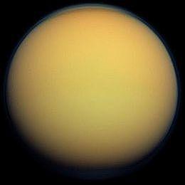 Sorvolo ravvicinato a Titano