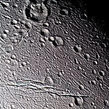 Le prime immagini di Encelado