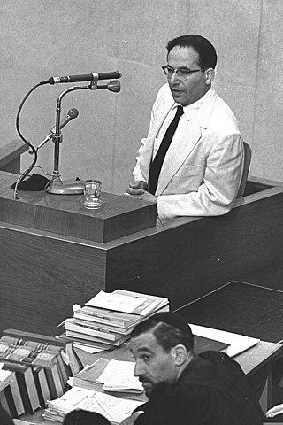 עדותו של יחיאל דינור במשפט אייכמן