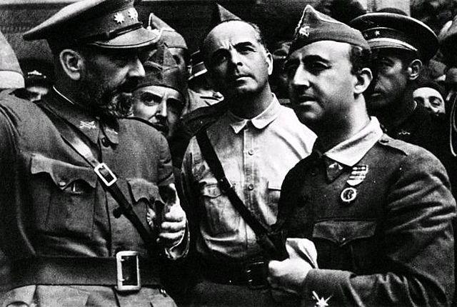 (Septiembre 1936) El general Francisco Franco decide destinar una importante parte de sus fuerzas para liberar a los rebeldes asediados en el Alcázar de Toledo. Franco concentra el poder entre los sublevados: es designado generalísimo y jefe del gobierno.