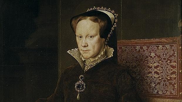 1553: María I de Inglaterra se convierte en la reina de Inglaterra, sucediendo a su padre, Enrique VIII.