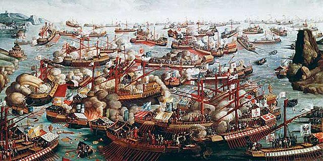 1571: Felipe II, hijo de Isabel, derrota a los Turcos en la batalla de Lepanto.