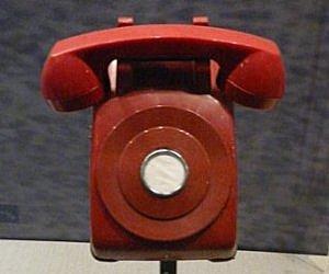 El telèfon vermell, 1963