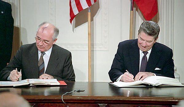 Firma de los tratados START entre E.E.U.U. y la U.R.S.S