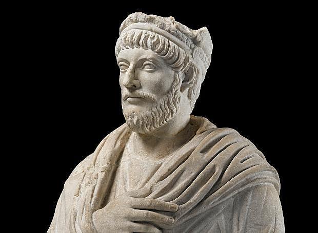 Νέος αυτοκράτορας ανακηρύσσεται ο Ιουλιανός