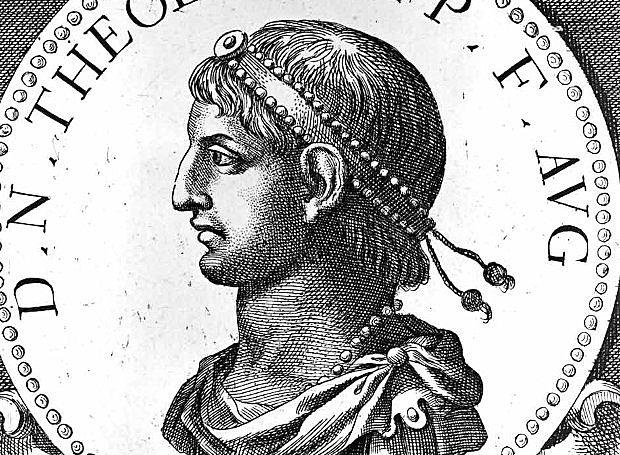Νέος αυτοκράτορας ανακηρύσσεται ο  Θεοδόσιος Α΄