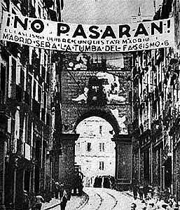 El gobierno de Largo Caballero se traslada a Valencia ante el ataque franquista contra Madrid, repelido por la Junta de Defensa encabezada por el general José Miaja.