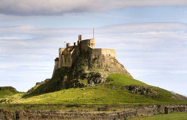 Vikings Raid Lindisfarne