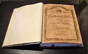 Materia mercantil y Constitución.